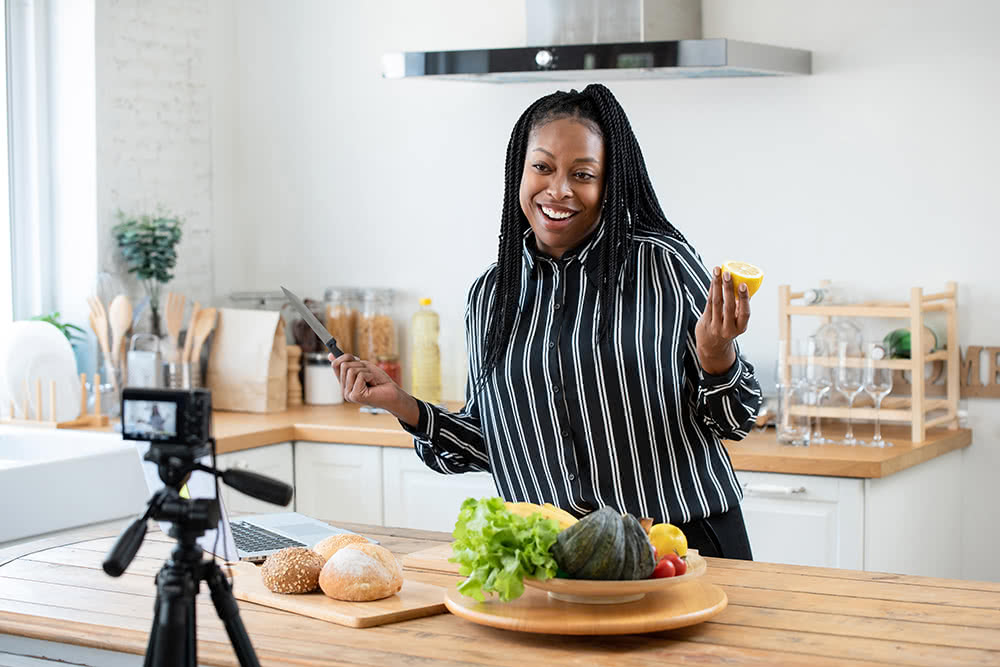 How to Start a New Side Hustle Without Cracking Up